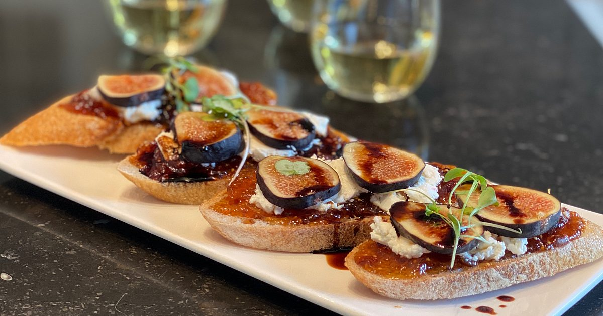 Fig & Goat Cheese Toasts | Recipes